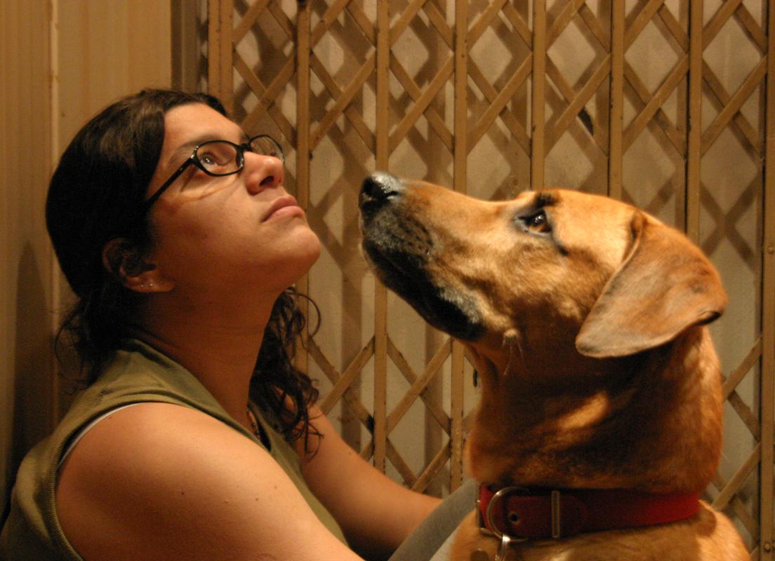 woman-dog-699785_70205524